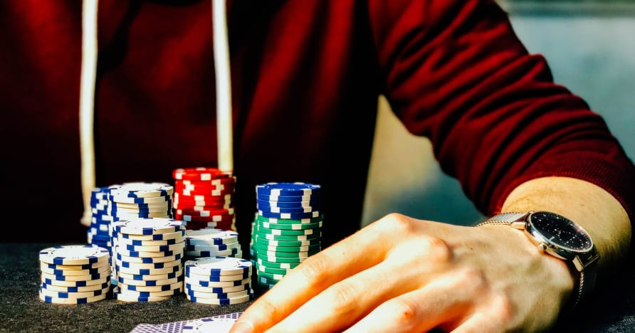 3 Card Online Poker Guide